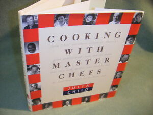 COOKING-WITH-MASTER-CHEFS-JULIA-CHILD-HARDCOVER-DJ-COOKBOOK-1993-1st-EDITION-b