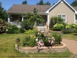 LOVELY RANCHER ON PRIVATE 3 ACRE TOWN LOT