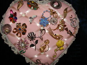 Lots of Jewellery great for flea market or Familys members