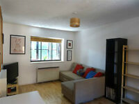 1 Bedroom Split Level Maisonette - Somerset Gardens (N17)