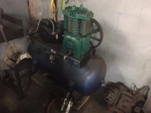 Compresseur d'air industriel / Industrial air compressor