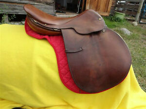 "16.5"" Crosby English Saddle"