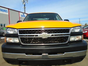 2006 Chevrolet Silverado 2500 HD-6.0L V8 4X4-ONE OWNER Truck