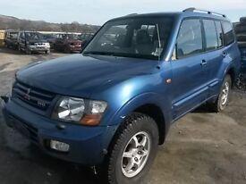 breaking nistubushi shogun 3.2 auto turbo diesel lwb blue