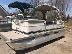 ***RARE MINI PONTOON*** CUTE AS A BUTTON 16X6 MINI PONTOON BOAT