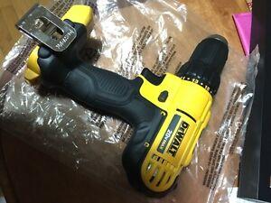Dewalt 20V Max 3/8 inch Cordless Drill