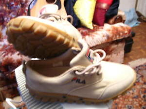 FILA QUALITY CASUAL Walking Shoes  Good Traction $35 New Cond.