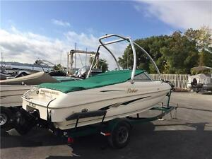 2000 Rinker 182 Bowrider With wake tower wakeboard boat