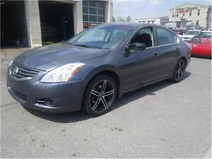 2010 Nissan Altima 2.5 S {only 160 k)