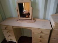 Dressing table & free standing mirror