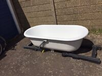 ***JACOB DELAFON DOUBLE ENDED CAST IRON BATH+FREE DELIVERY WITHIN 5 MILES***