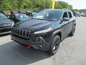 2018 Jeep Cherokee Trailhawk W/ Leather + 0%