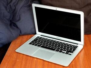 Macbook Air 13inch 1.8Ghz i5 4GBRAM ,256SSD CC2015 collection  M