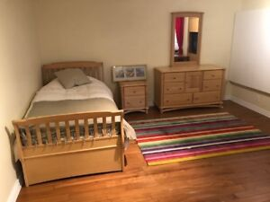 Bedroom furniture set etc, may be sold separately