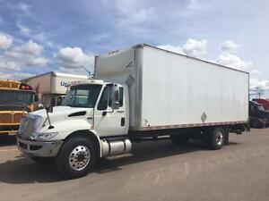 2014 Int'l 4300 w/26' Dry Van + Lift Gate