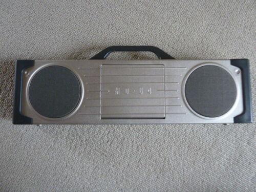 Sanyo MD-U4R AM/FM/MD compact boombox. Thin techno design!