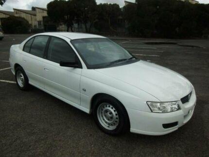 2005 Holden Commodore VZ Executive White 4 Speed Automatic Sedan Maidstone Maribyrnong Area Preview