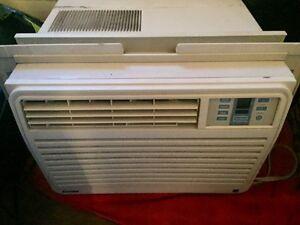 Air climatisé pour fenêtre Danby 6000BTU -doit partir rapidement