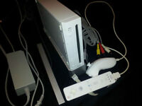 *****WHITE NINTENDO WII SYSTEM + WII SPORTS GAME*****