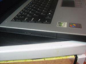 Acer Aspire 3002 WLCi laptop