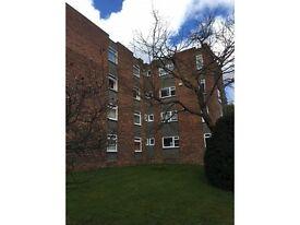 2 bedroom flat in Church Road, Camberley