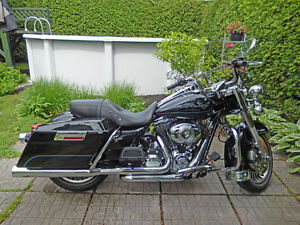2013 H-D ROAD KING (FLHR) | TWIN CAM 103