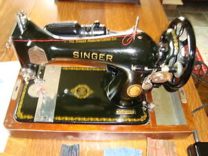 CIRCA 1950 SINGER MODEL 128 SEWING MACHINE