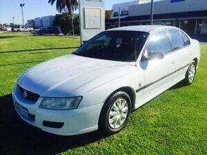 2004 Holden Commodore VZ Executive White 4 Speed Automatic Sedan Maddington Gosnells Area Preview