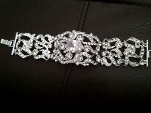 *** BEAUTIFUL BRACELET AND HAIR PIECE FOR SALE***