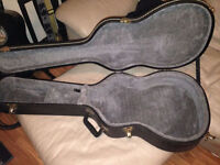 Acoustic Guitar Case MINT - Made in Canada