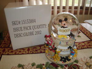 "~RARE  2002 DISNEY ""EARS TO YOU"" SNOW GLOBE & MUSIC BOX  $79.99~"