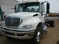 2016 International 4300 4x2, New Cab & Chassis