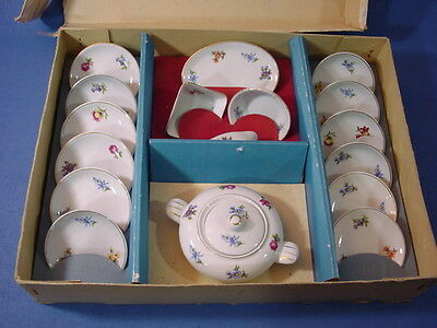 Puppenstube Speisseservice Teile in Kiste 70er Jahre