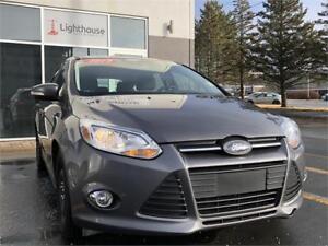 2014 Ford Focus SE Hatchback / Winter Tires / $39 weekly /