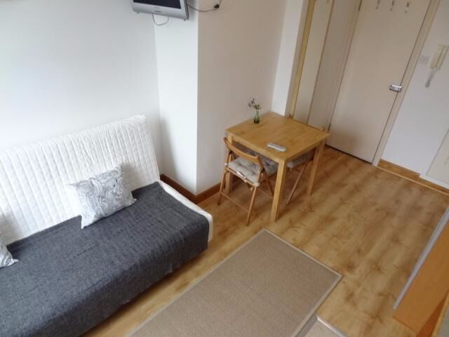 -Cosy studio on West Cromwell Road, Earl's Court *All utility bills are included*