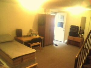Entire Spacious Basement Sublet. $450/month. Kitchener / Waterloo Kitchener Area image 2