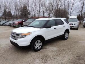 2013 Ford Explorer 7 passenger seating AWD v6