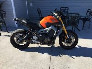 2014 Yamaha FZ 09 with Full Akropovic Exhaust