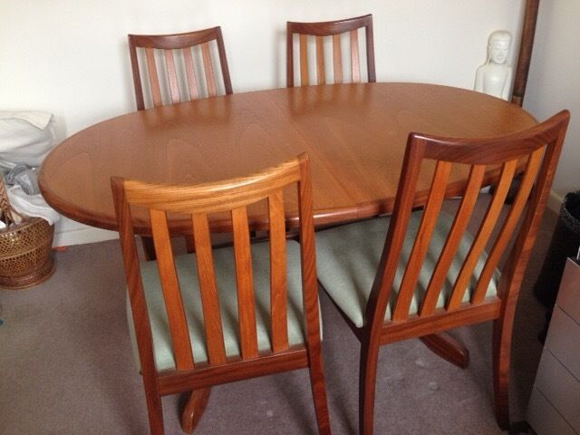 G Plan Oval Extending Dining Table And Four Chairs 54 X 36 As