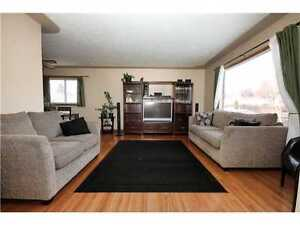 $875 for June & early move in | 4 BEDROOM & DOUBLE GARAGE ON QUI