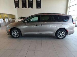2017 Chrysler Pacifica Limited - Panoramic Sunroof, Heated Leath