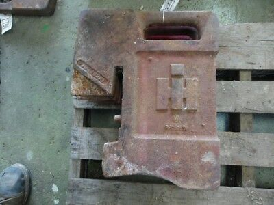 International Harvester Tractor 75 Lb. Suitcase Weight Part 383392r1 Tag 2697