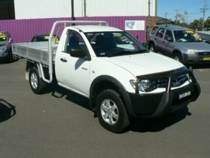 2014 Mitsubishi Triton MN MY14 Update GLX White 5 Speed Manual Cab Chassis