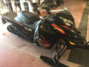 2015 Skidoo Renegade Backcountry X 800 ETEC