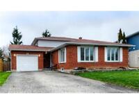 BEAUTIFULLY FINISHED HOME LOCATED ON FAMILY FRIENDLY CUL-DE-SAC!