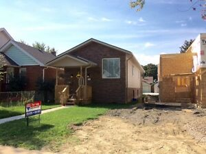 LOW MAINTENANCE BETTER THEN TOWNHOUSE 7 MO R/RANCH Windsor Region Ontario image 1