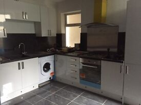 A very large two bed flat to rent
