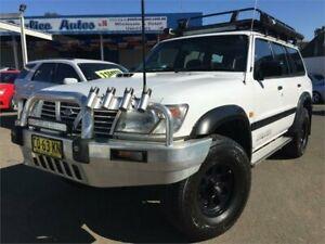 2001 Nissan Patrol GU II ST (4x4) White 5 Speed Manual 4x4 Wagon Blacktown Blacktown Area Preview