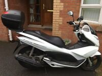 125cc Alpine White Scooter (Excellent Condition)