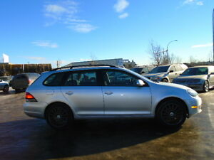 2010 Volkswagen Golf highline Wagon-HEATED SEATS-ONE OWNER--102K